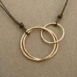 14kt hammered gold fill interlocking circles necklace by j&i